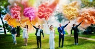 Mariage pensez au fumigène à main