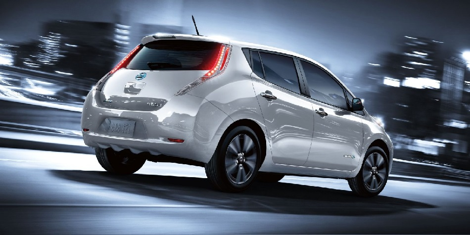 nissan leaf une autonomie de 400 km. Black Bedroom Furniture Sets. Home Design Ideas